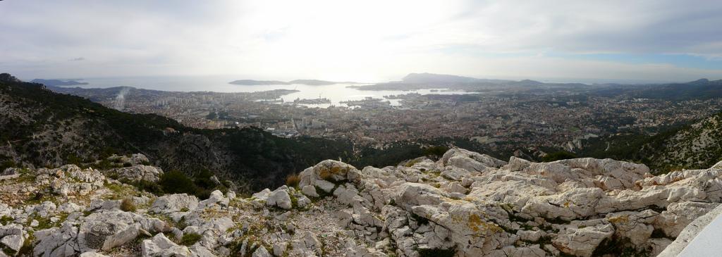 Toulon (depuis le belvédère du Faron)